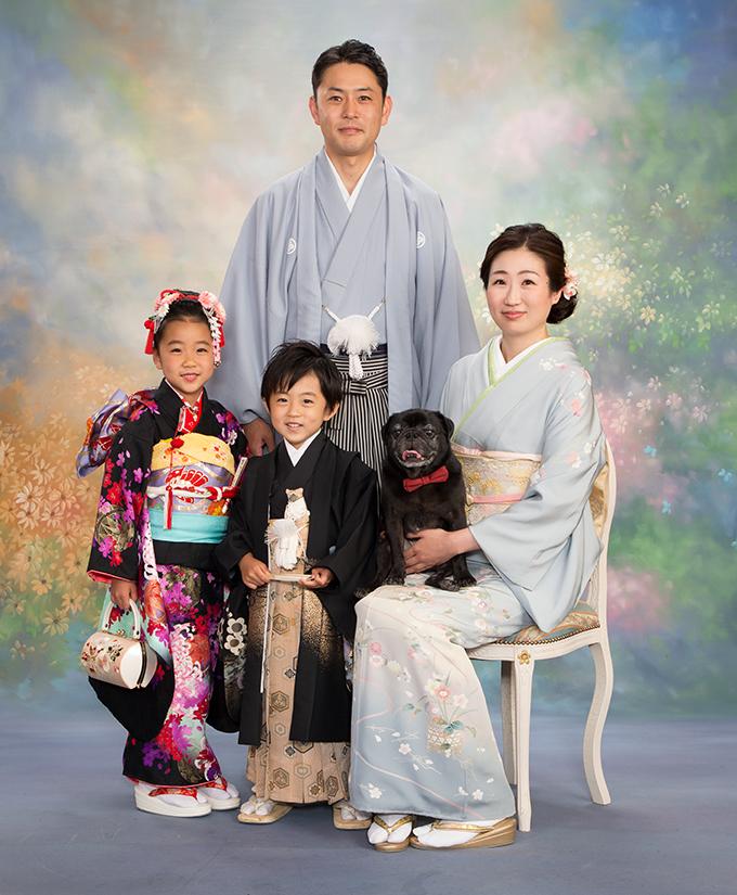 ペットと一緒の家族集合